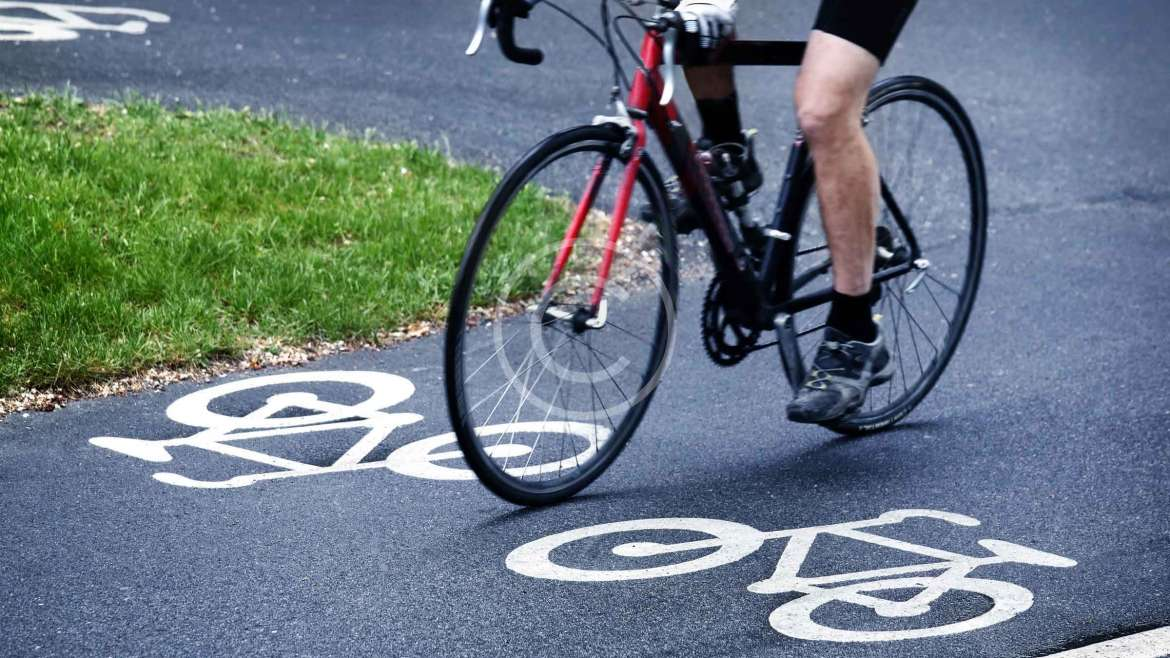 """Etiquette on Helping """"Others"""" with Their Bikes?"""